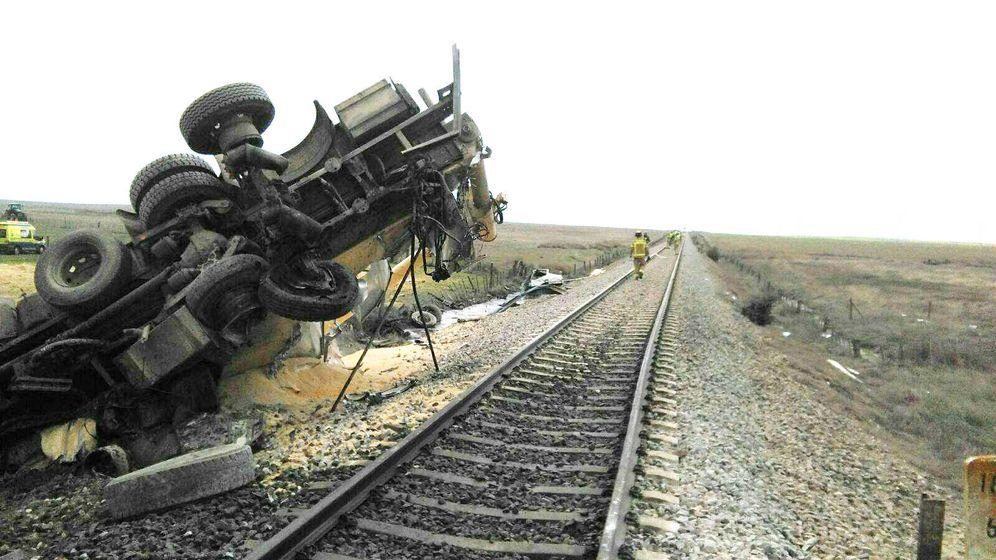 Foto: Así ha quedado el camión tras el choque. (El Confidencial)