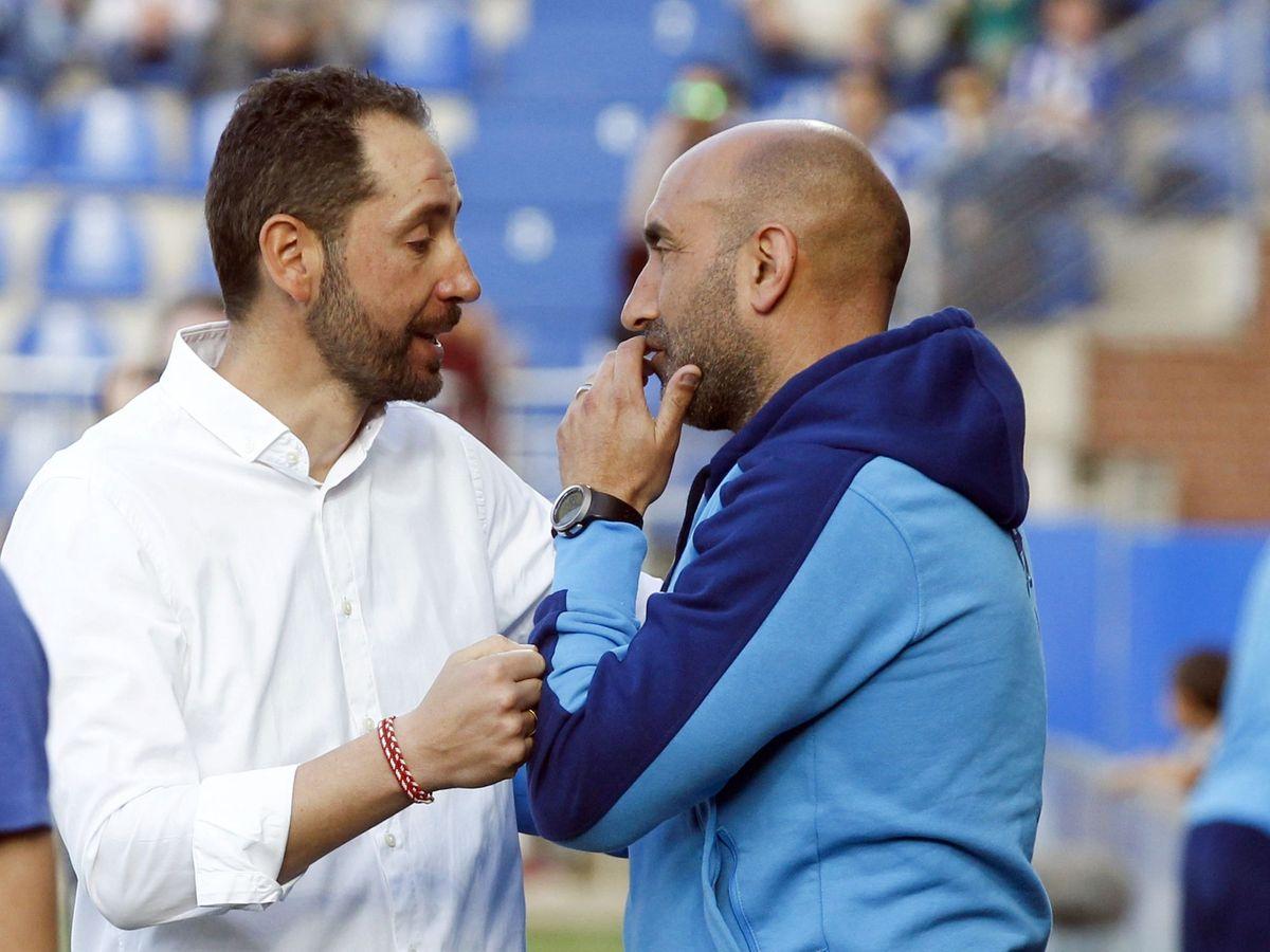 Foto: Pablo Machín y Abelardo se saludan en un Girona-Alavés (Efe).