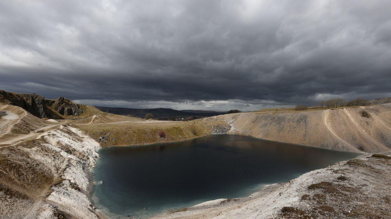 La laguna azul turquesa que atrae a miles de turistas… y que es más peligrosa que la lejía