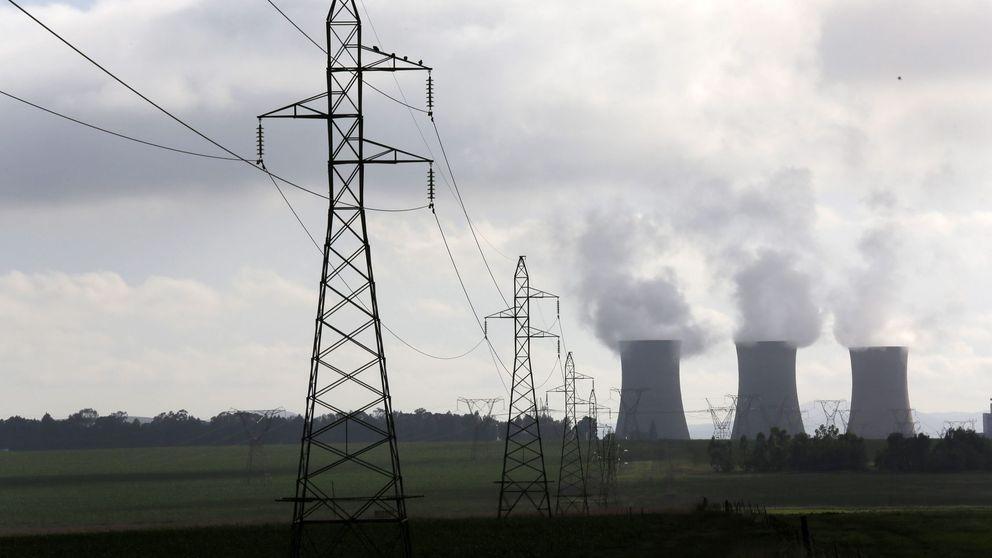 Deloitte no cree en las baterías: apuesta por mantener abierto carbón y nuclear