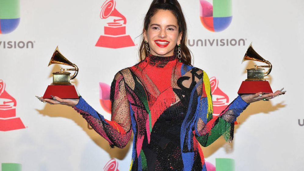 Foto: Rosalía con sus Grammy. (Getty)