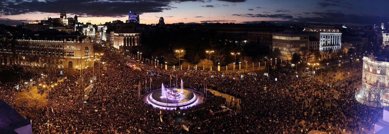 Directo manifestación huelga 8M | as mujeres vuelven a tomar las calles con  una multitudinaria marea morada