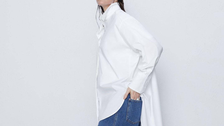 Camisa oversize de Zara. (Cortesía)