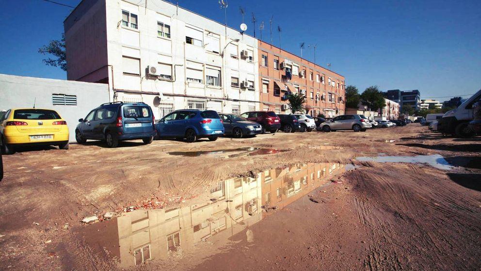 El barrio de los horrores:  inundaciones, calles privadas y grietas