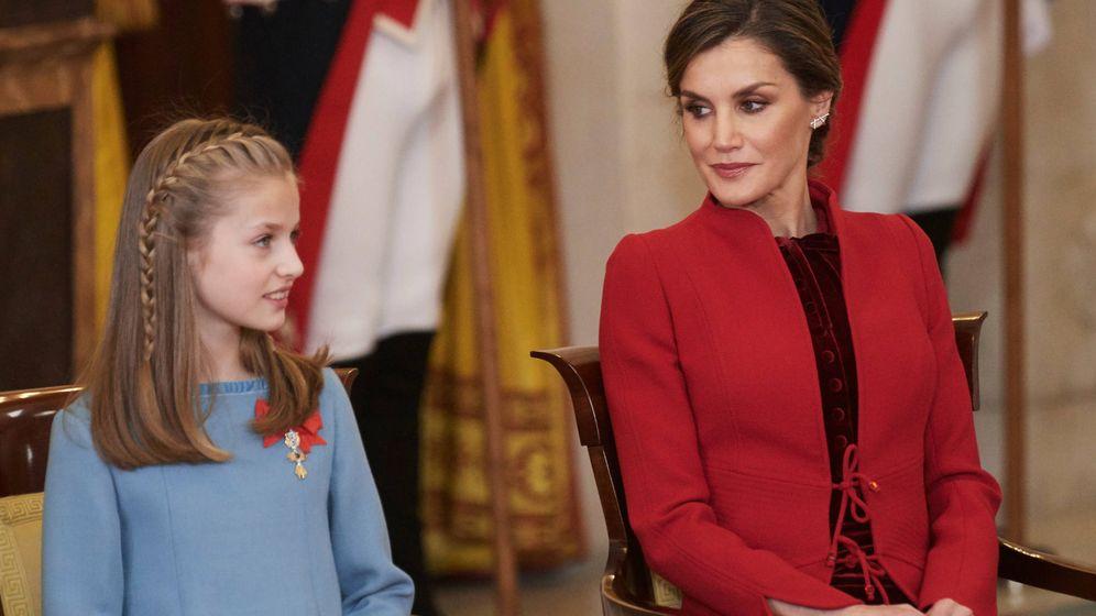 Foto: La Reina junto a la princesa de Asturias. (Limited Pictures)