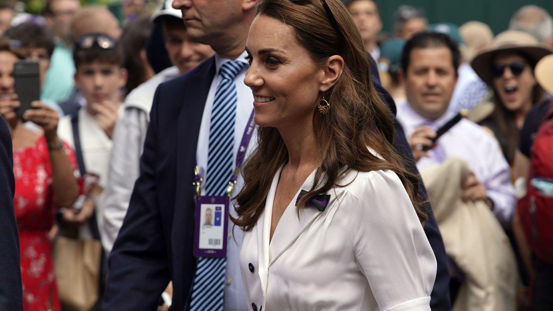 Las zapatillas que unen a Kate Middleton y Alexa Chung son de Superga
