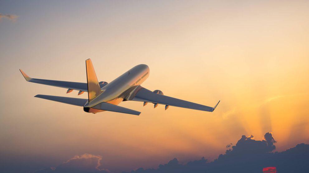 Esta es la razón por la que viajar en avión te saldrá más caro (y no es estirar las piernas)