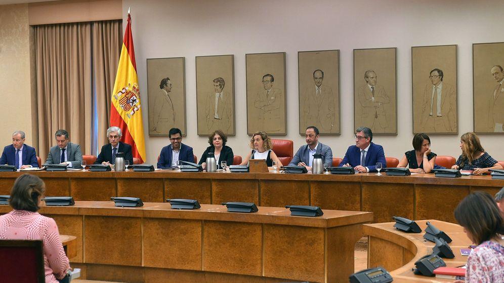Foto: Reunión de la Diputación Permanente del Congreso. (EFE)