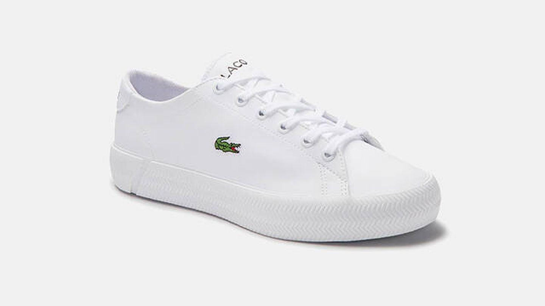 Zapatillas deportivas en color blanco con cordones