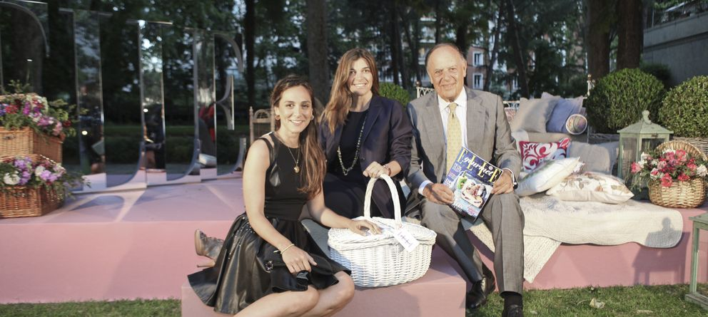 El marqués de Griñón, de fiesta con sus hijas Tamara y Xandra