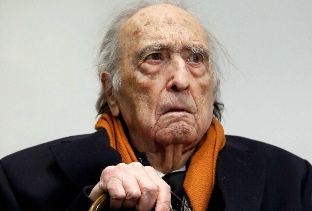 Foto: Rafael Sánchez Ferlosio durante el homenaje que recibió en Madrid por su 90 cumpleaños. (EFE)