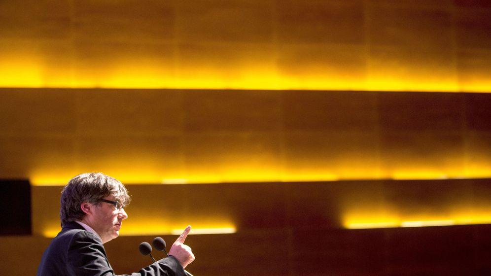 Foto: El presidente catalán, Carles Puigdemont, en un acto con empresarios. (EFE)