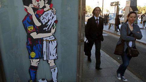 Sánchez se reúne con la alcaldesa de París y Zarautz, capital mundial del surf: el día en fotos