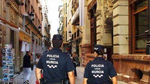 Detenido por atacar a su madre con una catana en un domicilio de Murcia