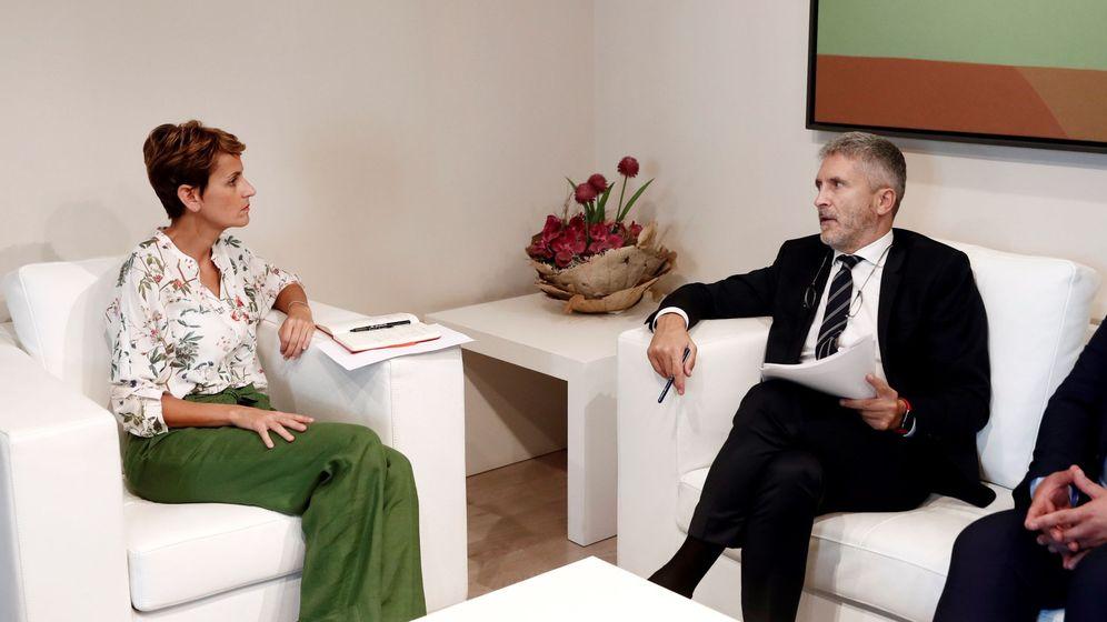 Foto: Marlaska, con la presidenta de Navarra, María Chivite, el pasado 16 de septiembre, cuando anunció que la Guardia Civil no se iría de la comunidad foral. (EFE)