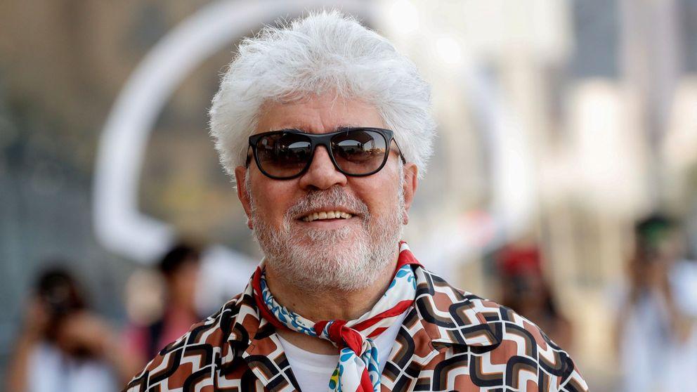 Almodóvar y cien creadores más exigen a Guirao intervenir la SGAE y cesar a Hevia