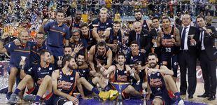 Post de Valencia se acostumbra a ganar y levanta la Supercopa, su segundo título en 2017