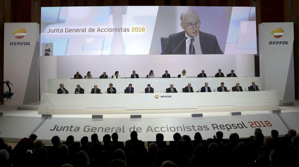 Foto: El presidente de Repsol, Antonio Brufau, durante su intervención en la junta de accionistas de la compañía