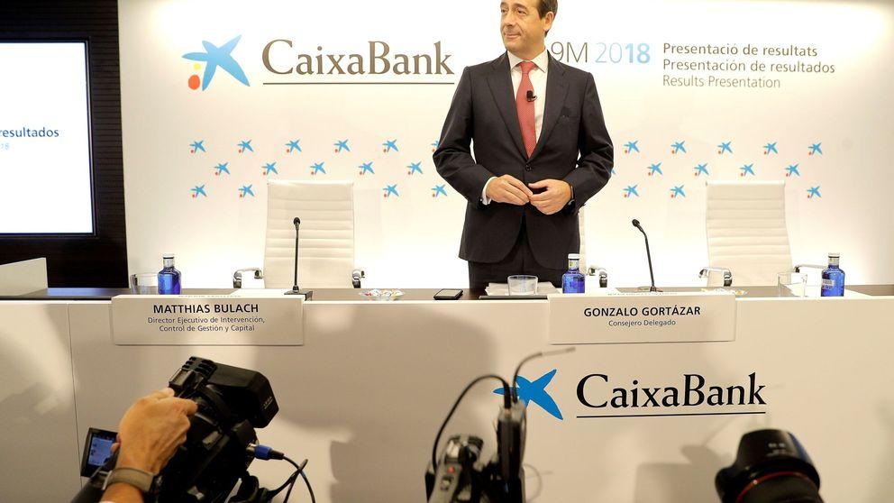 Los sindicatos exigen a CaixaBank que el ERE se cubra solo con bajas voluntarias