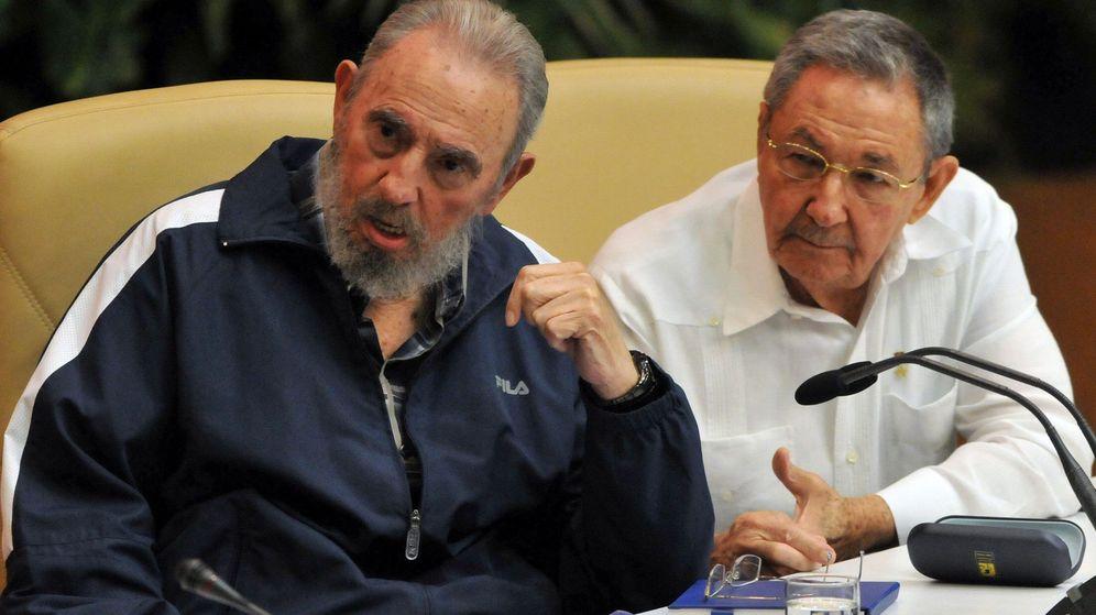 Foto: Fidel y Raúl Castro en 2011. (EFE)
