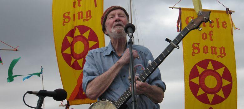 Foto: Pete Seeger durante un concierto en Beacon en mayo de 2008