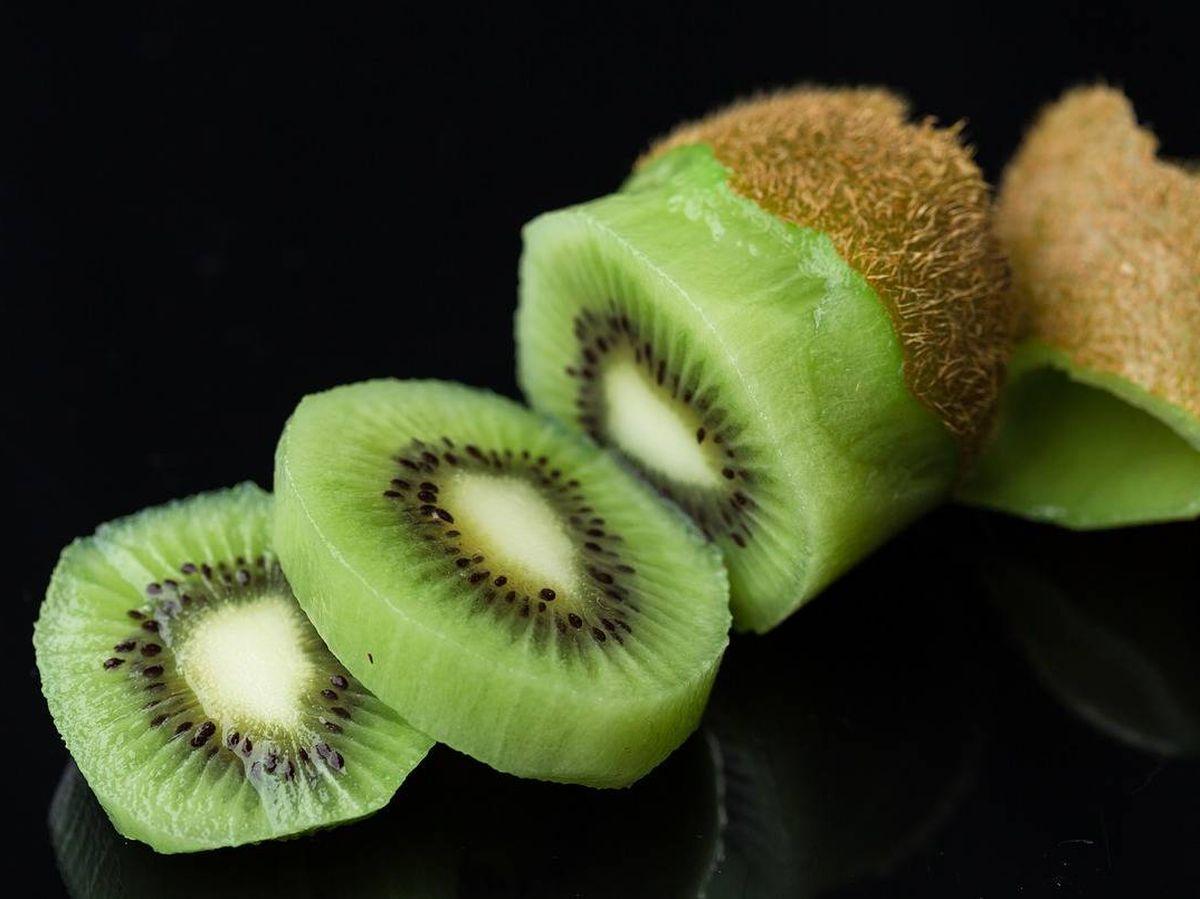 Foto: Kiwi sin cáscara.