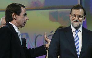 Rajoy replica a Aznar con sus años en el PP y el éxito frente a la crisis