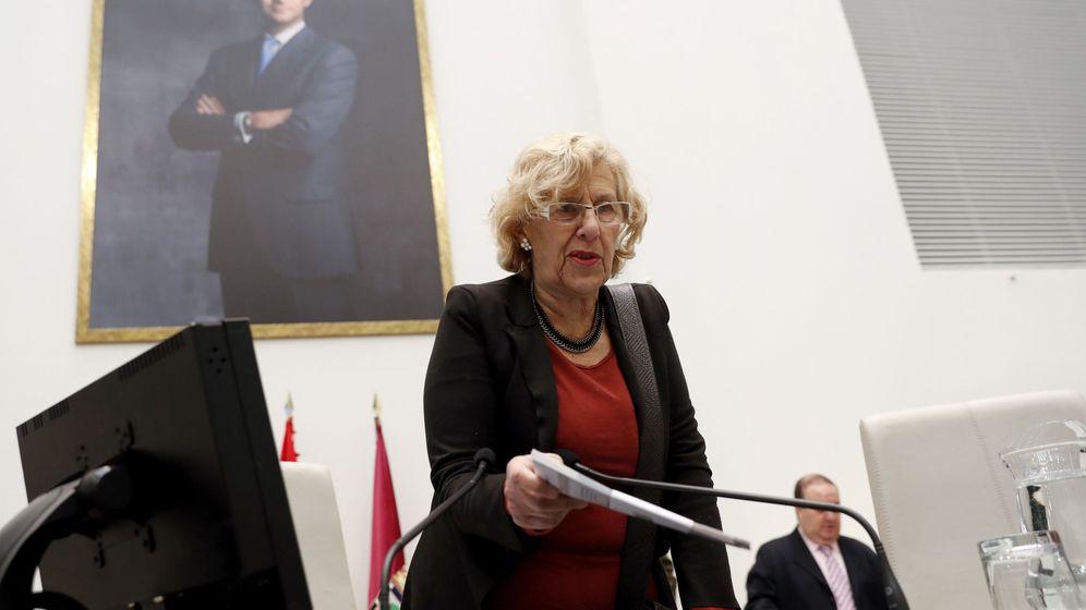 Foto: La alcaldesa de Madrid, Manuela Carmena, durante un pleno municipal. (EFE)