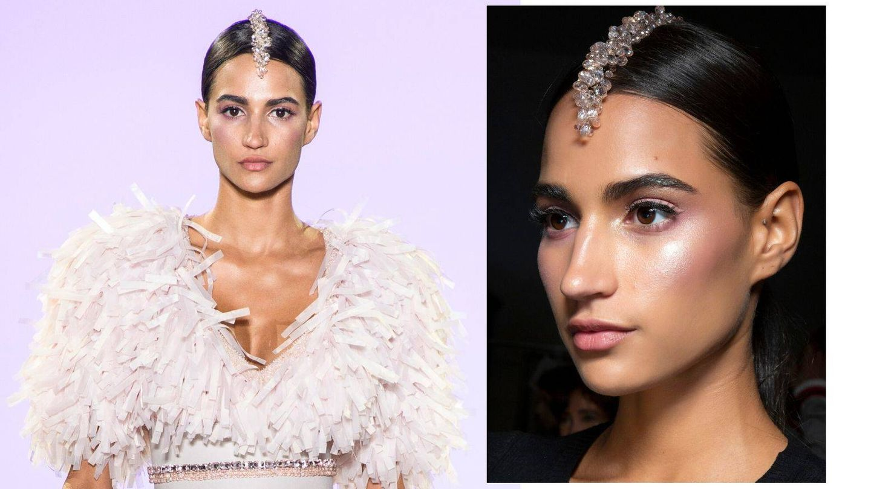 Detalle del peinado de Affair en la Semana de la Moda de París. (Imaxtree)