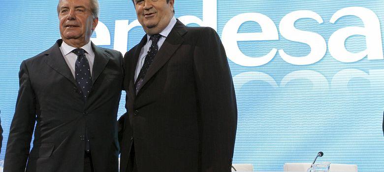 Foto:  El presidente de Endesa, Borja Prado, junto al consejero delegado y director general de Enel, Fulvio Conti. (Efe)
