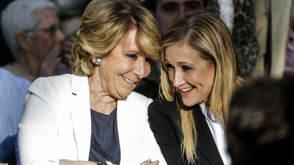 Foto: Las candidatas del PP a la Alcaldía y la Comunidad de Madrid, Esperanza Aguirre (i) y Cristina Cifuentes (d). (EFE)