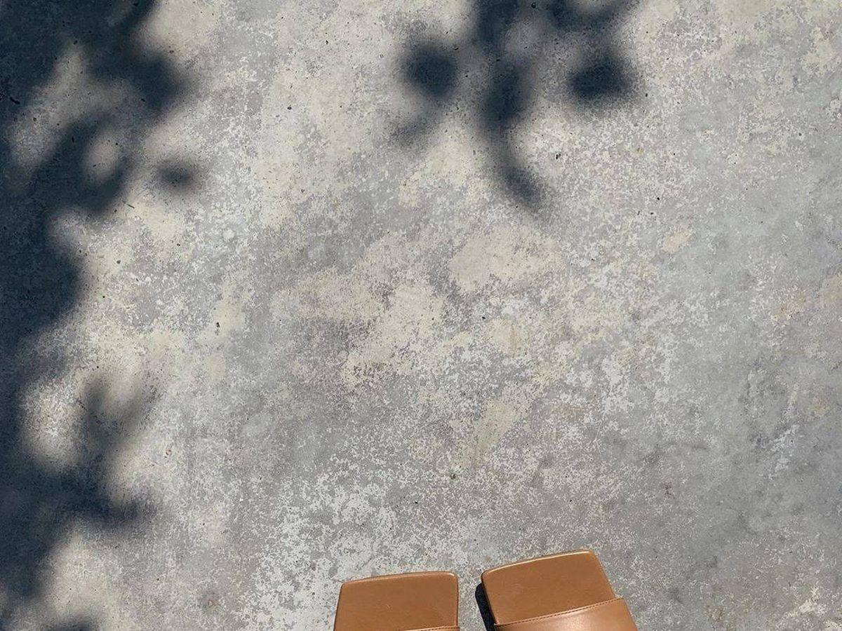 Foto: Estas son las sandalias que todas las influencers llevan. (Instagram @rosiehw)
