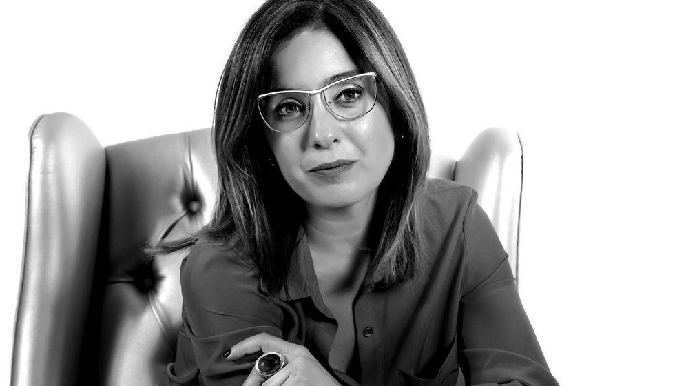 Foto: Etcheves firma una novela que utiliza como altavoz para denunciar la trata de mujeres (Guillermo Otero)