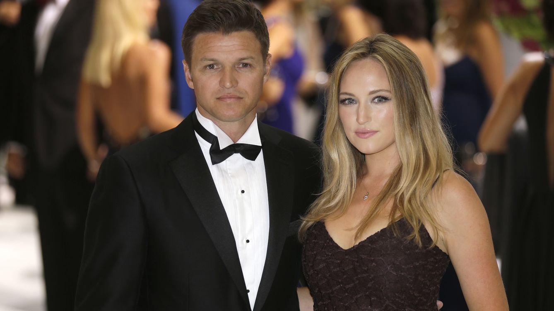 Foto: Gareth y su novia Roisin en el baile de la Cruz Roja (Gtres)