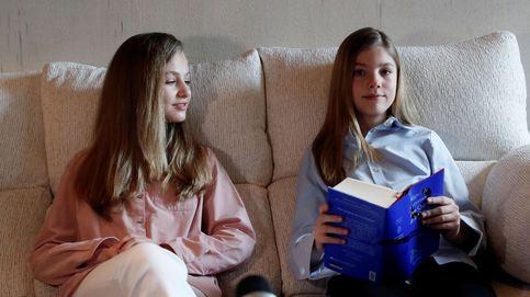 Iguales, pero diferentes: el look 'twin' de Leonor y Sofía en su última aparición
