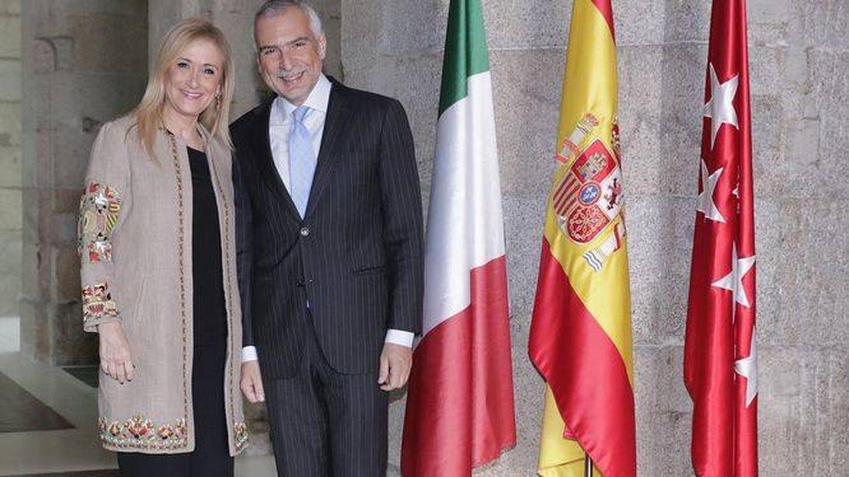 Cristina Cifuentes con Sannino. (EFE)