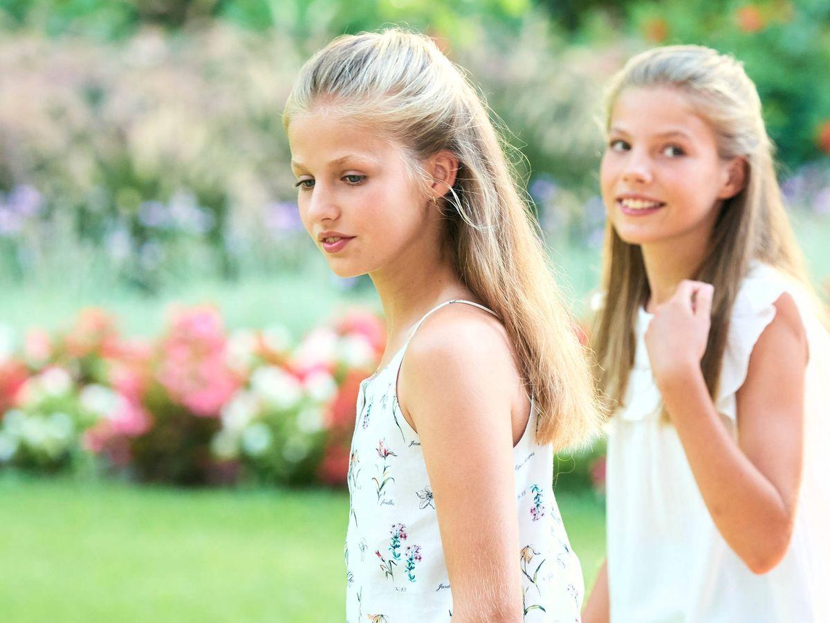 Foto: La princesa Leonor y la infanta Sofía el verano pasado. (Limited Pictures)