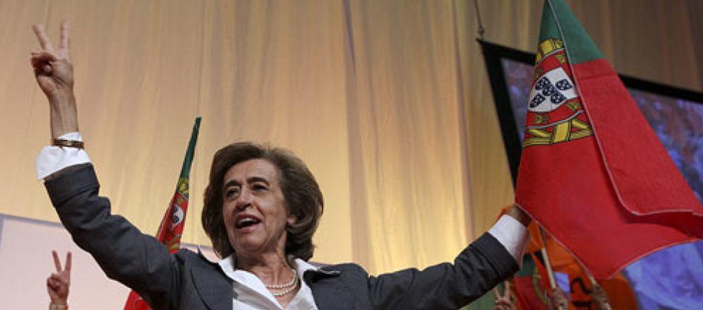 La reválida de la 'Dama de Ferro' en el declive del socialismo luso