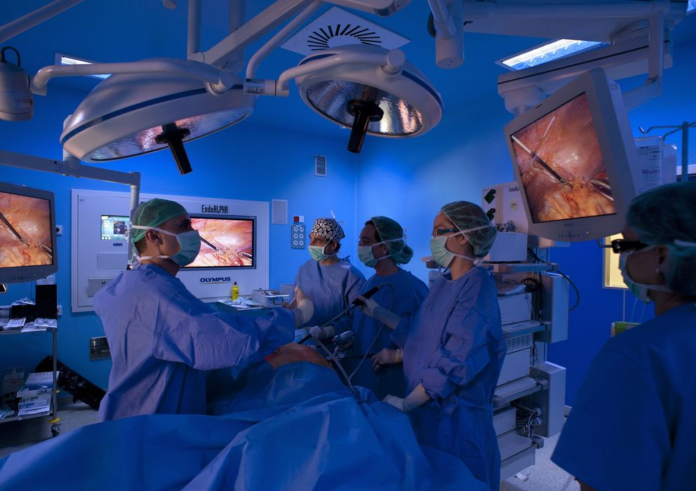 Foto: Cirugía laparoscópica en el cáncer de colon. (Corbis Images)