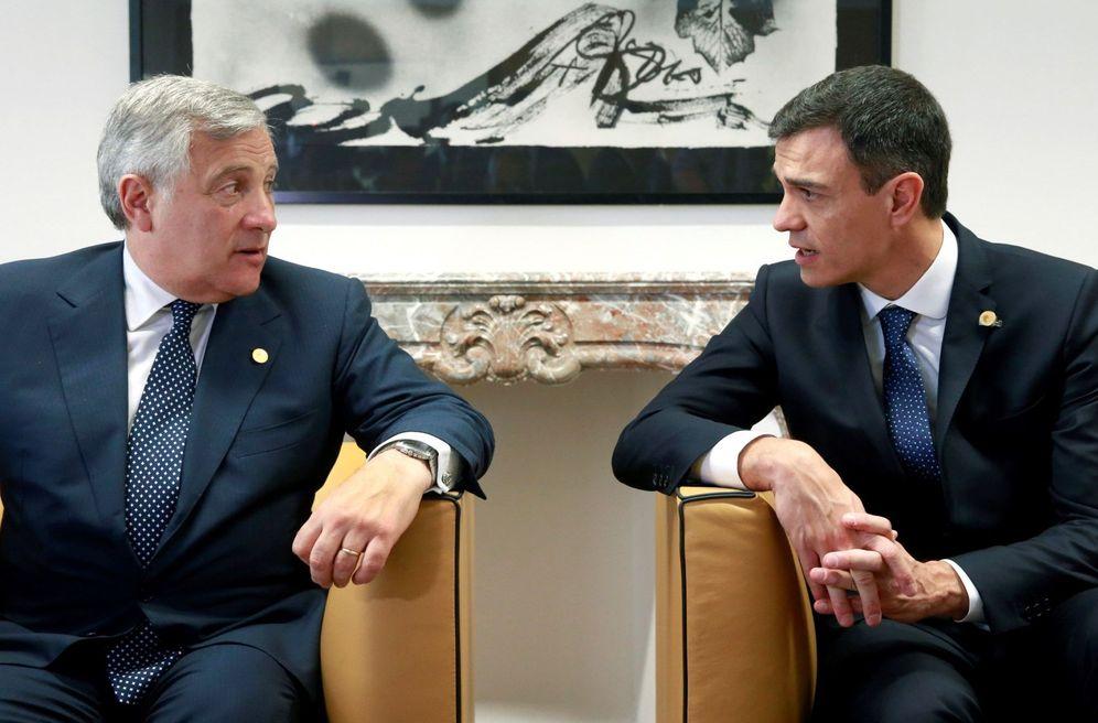 Foto: Pedro Sánchez, el pasado 28 de junio en Bruselas, con el presidente del Parlamento Europeo, Antonio Tajani. (EFE)