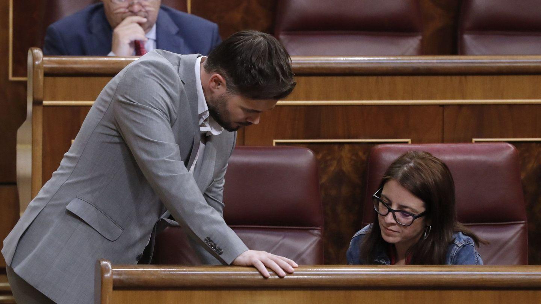 Gabriel Rufián y Adriana Lastra, en una sesión del pleno del Congreso. (EFE)