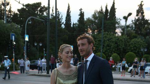 Beatrice Borromeo reina (de Dior) junto a Pierre Casiraghi en Atenas
