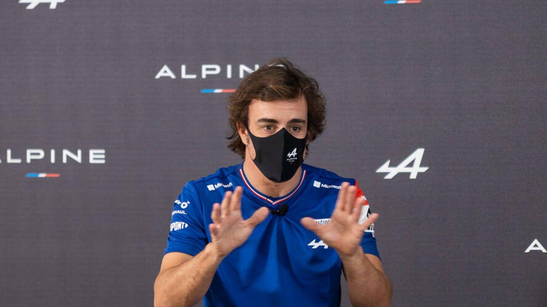 Alonso reconoce que no puede pasar sin pilotar o tener un volante en la mano en un fin de semana