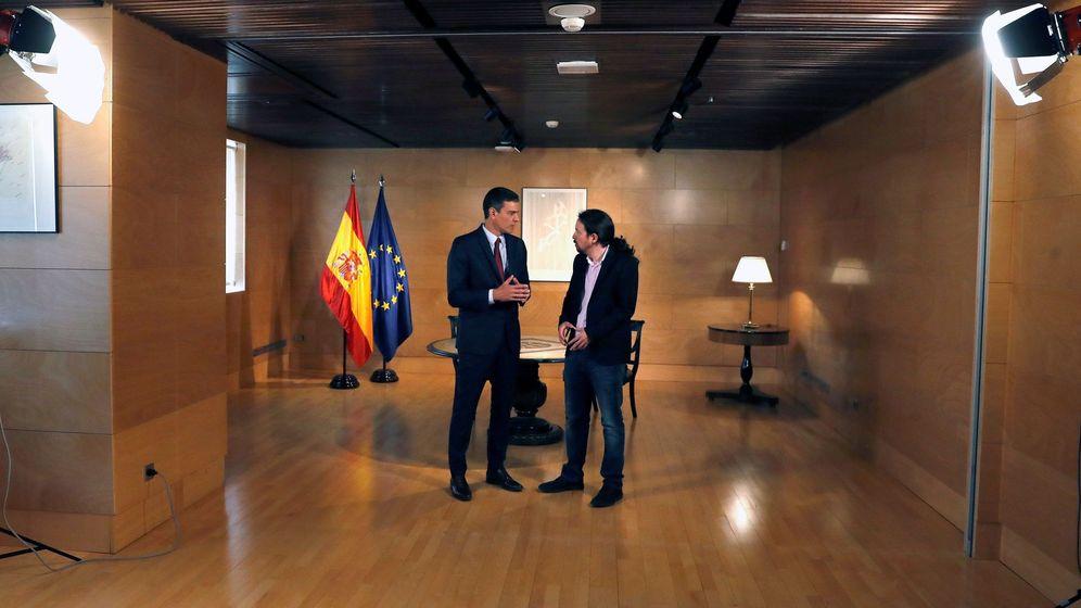 Foto: El presidente del gobierno Pedro Sánchez (i) y el líder de Podemos Pablo Iglesias, durante su última reunión en el Congreso. (EFE)