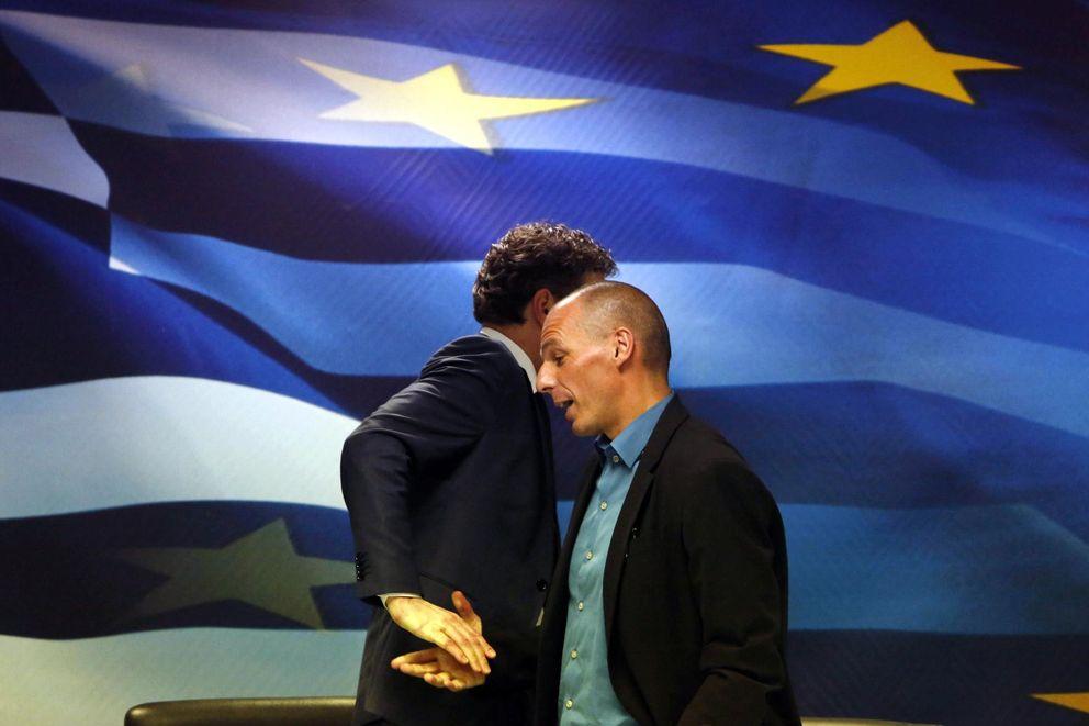 Foto: Jeroen Dijsselbloem, presidente del Eurogrupo, en su último encuentro con Yanis Varufakis, ministro de Finanzas griego (Reuters).