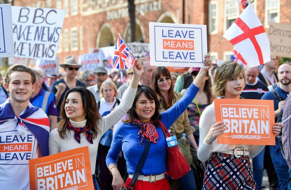Foto: Manifestantes a favor del Brexit durante una marcha a favor de la ruptura en Londres. (Reuters)