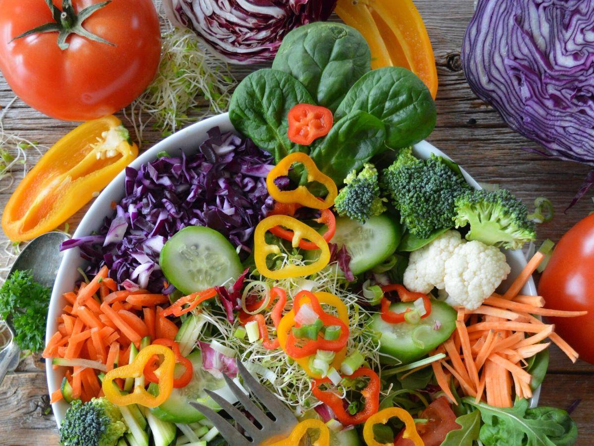 Foto: Alimentos que son más nutritivos crudos. (Nadine Primeau para Unsplash)