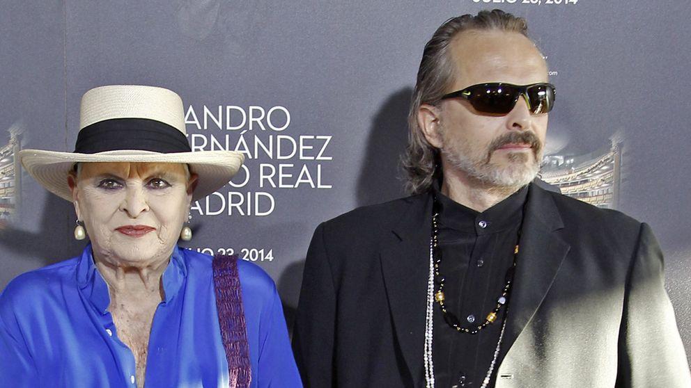 El sorprendente cambio de look de Miguel Bosé a sus 58 años