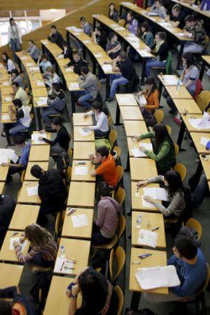 Un título universitario es menos rentable en España que en el resto del mundo