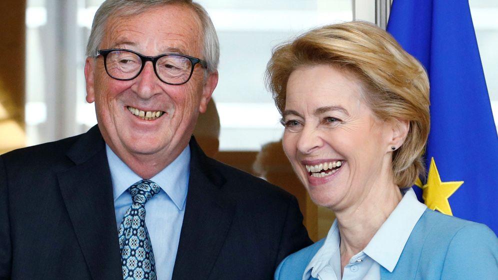 Foto: Jean-Claude Juncker y Ursula von der Leyen. (Reuters)